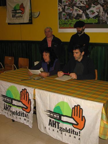 2007ko abenduko manifestazioaren prentsaurrekoa aldemenetik