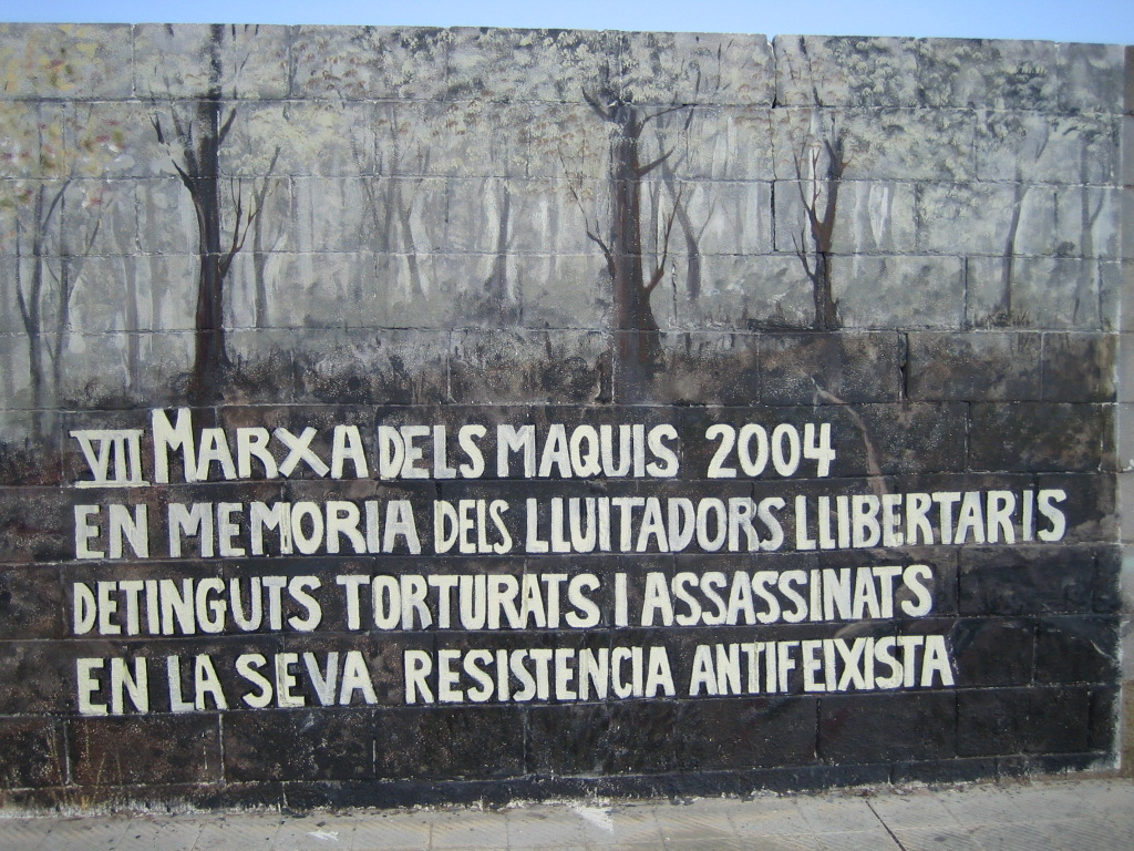 Graffiti homenaje a los makis Marxa20004sallent