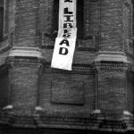 Torre del Pilar. Pancarta Vladi libertad